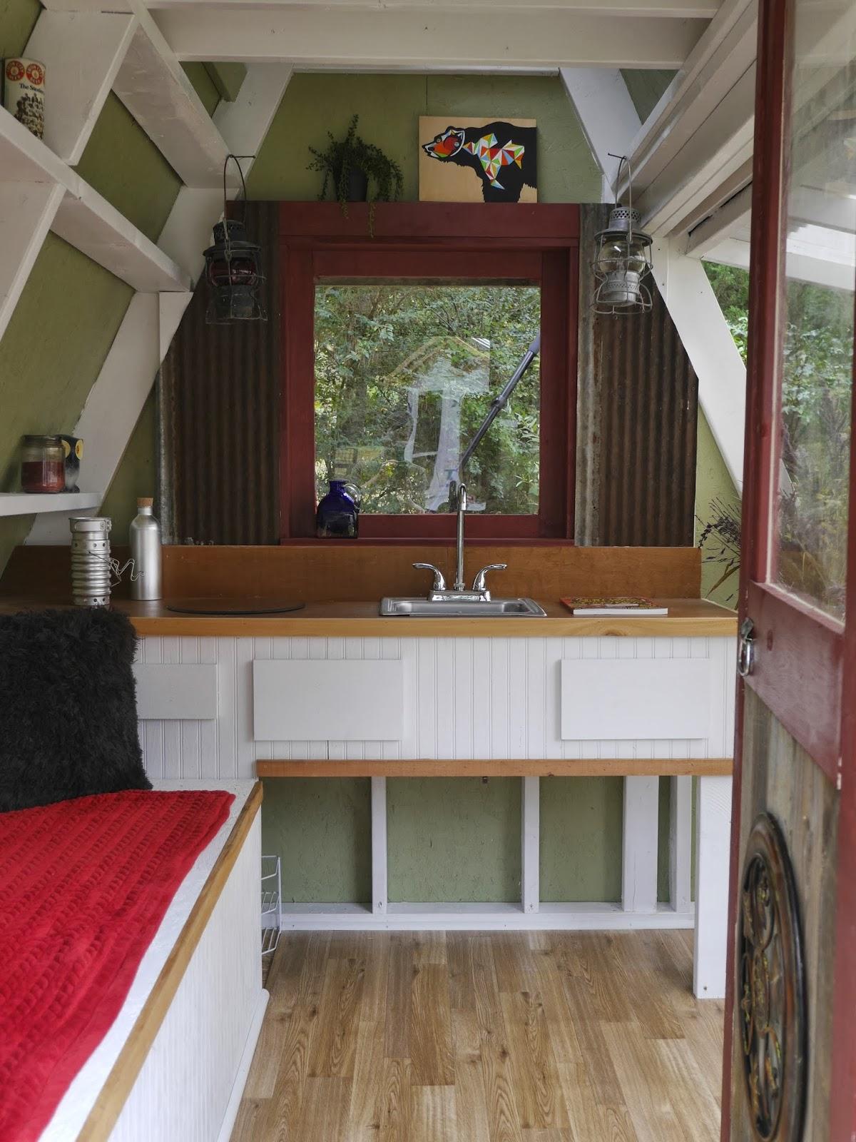 mini cottage house tiny cool (6)