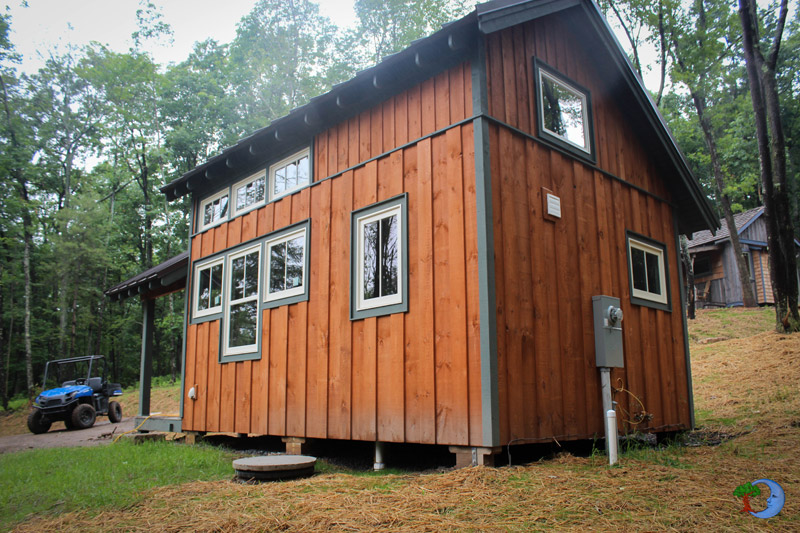 mini-cottage-wooden-cabin-house-(10)