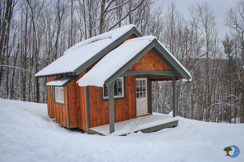 mini-cottage-wooden-cabin-house-(1)