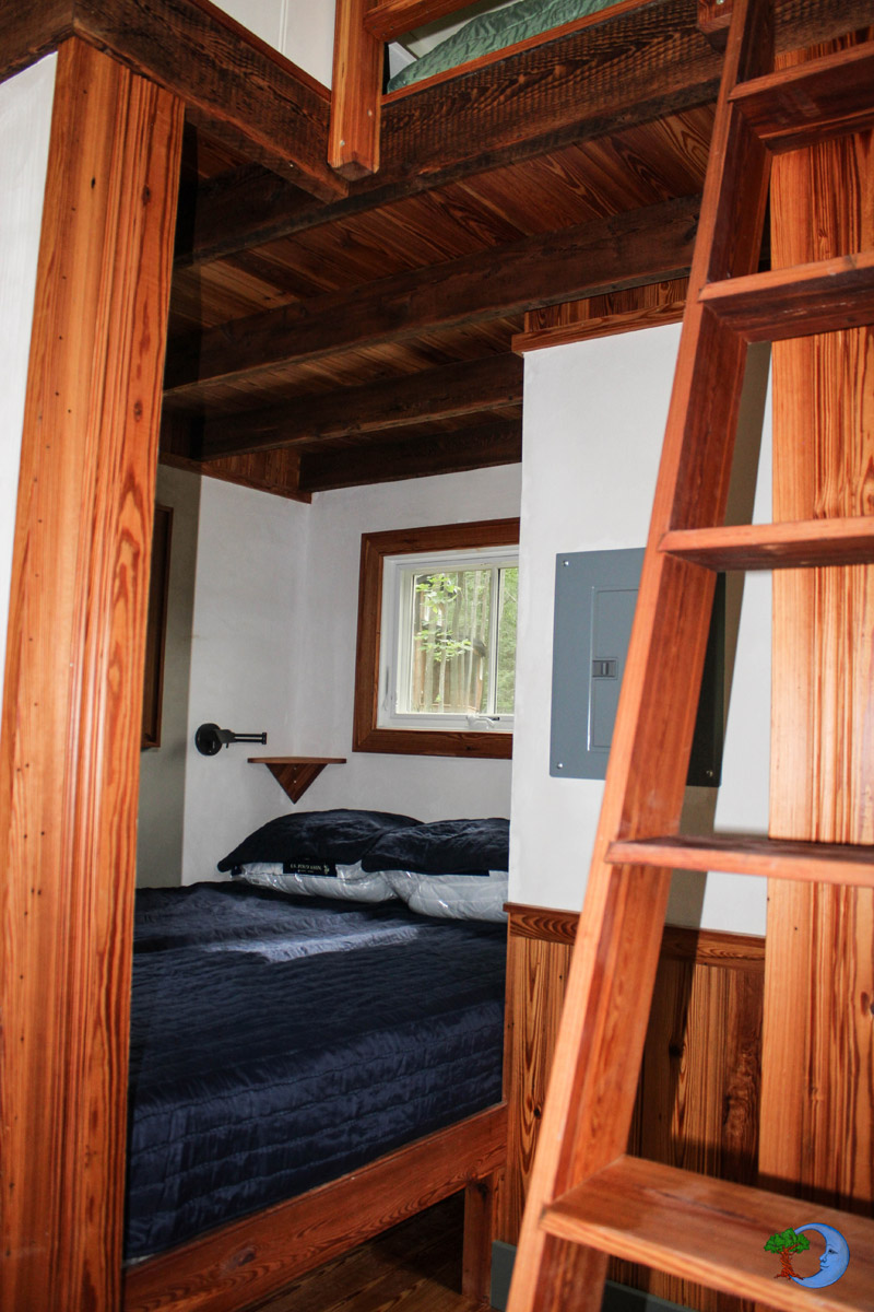 mini-cottage-wooden-cabin-house-(4)