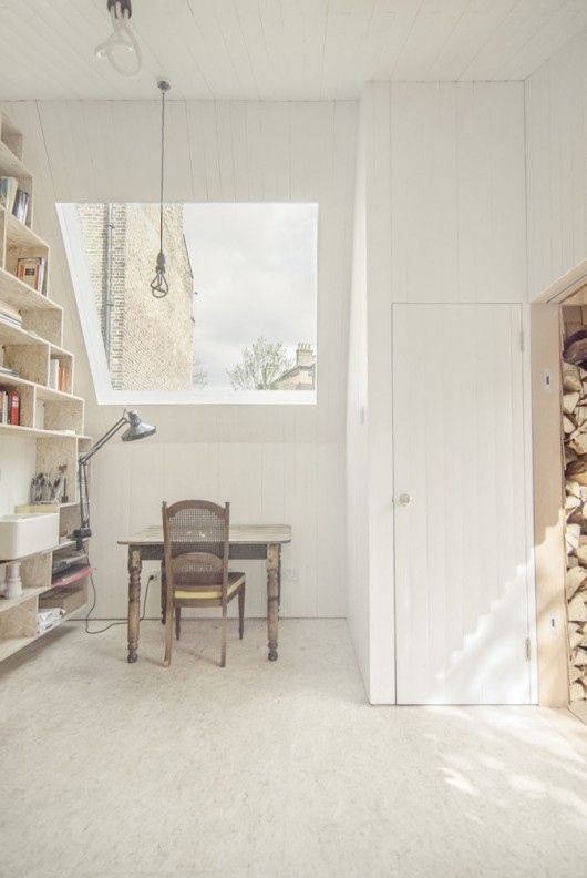 mini wooden home office in london (1)
