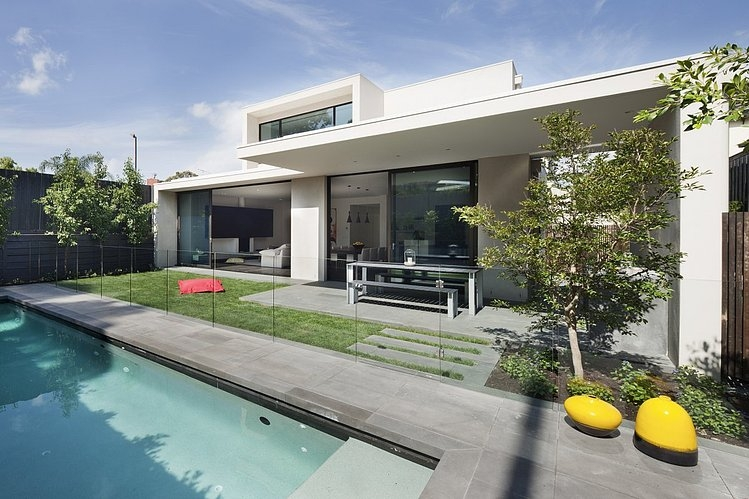 modern platform townhouse with pool in australia (4)