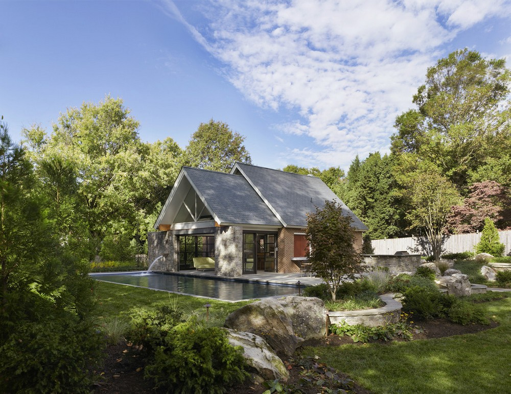 pool house with garden simple lifestyle (1)