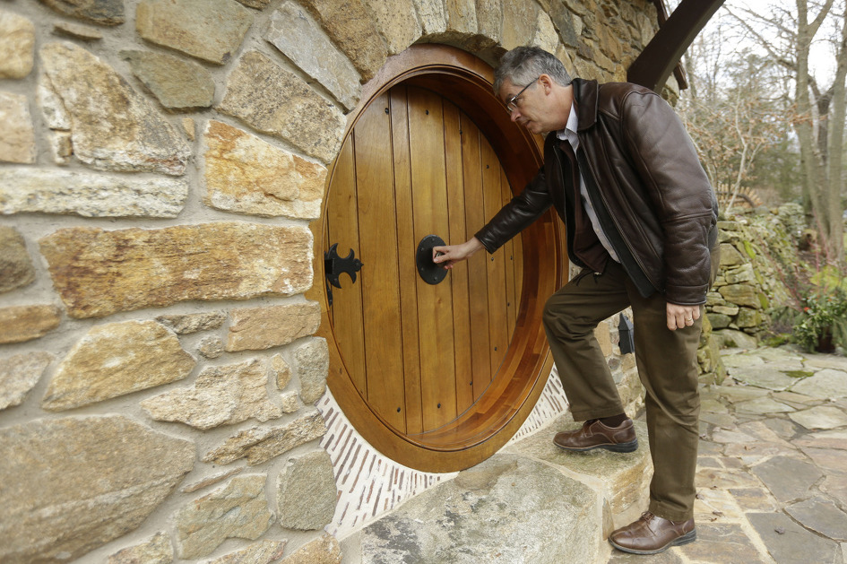 real hobbit house classic style in usa (4)