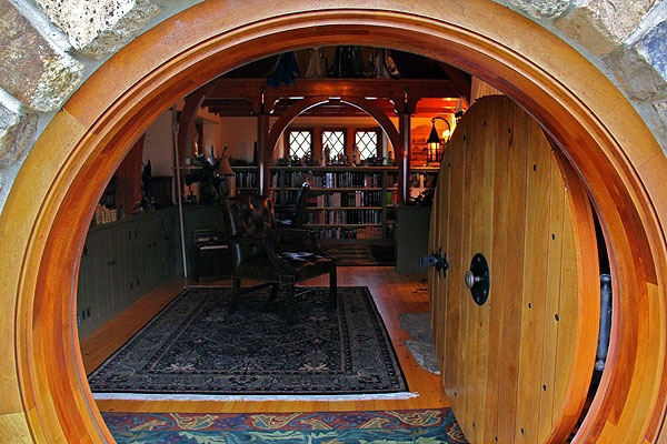 real hobbit house classic style in usa (5)