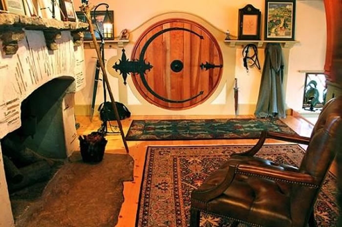 real hobbit house classic style in usa (7)