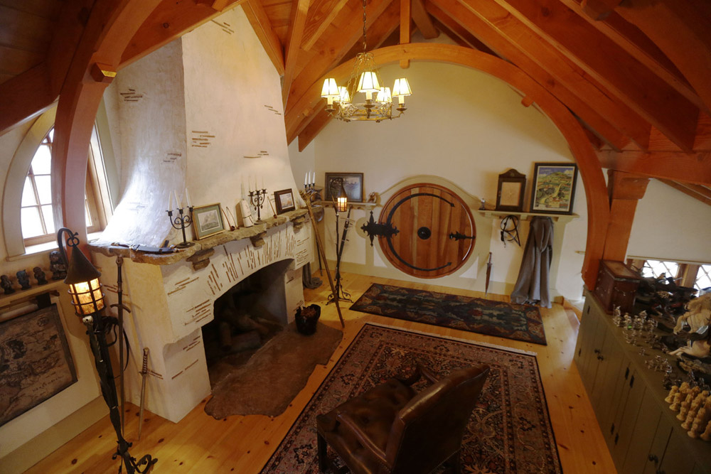 real hobbit house classic style in usa (8)