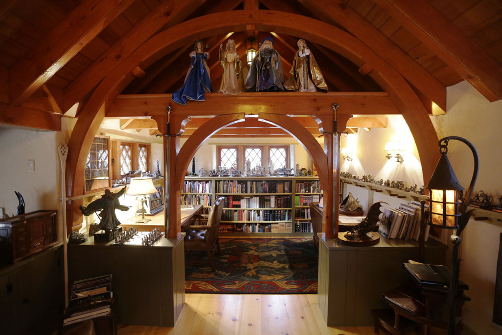 real hobbit house classic style in usa (9)
