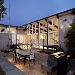 รีโนเวทบ้านเก่า เพิ่มความโปร่งสบายให้พื้นที่ภายใน และตกแต่งแบบโมเดิร์นทันสมัย