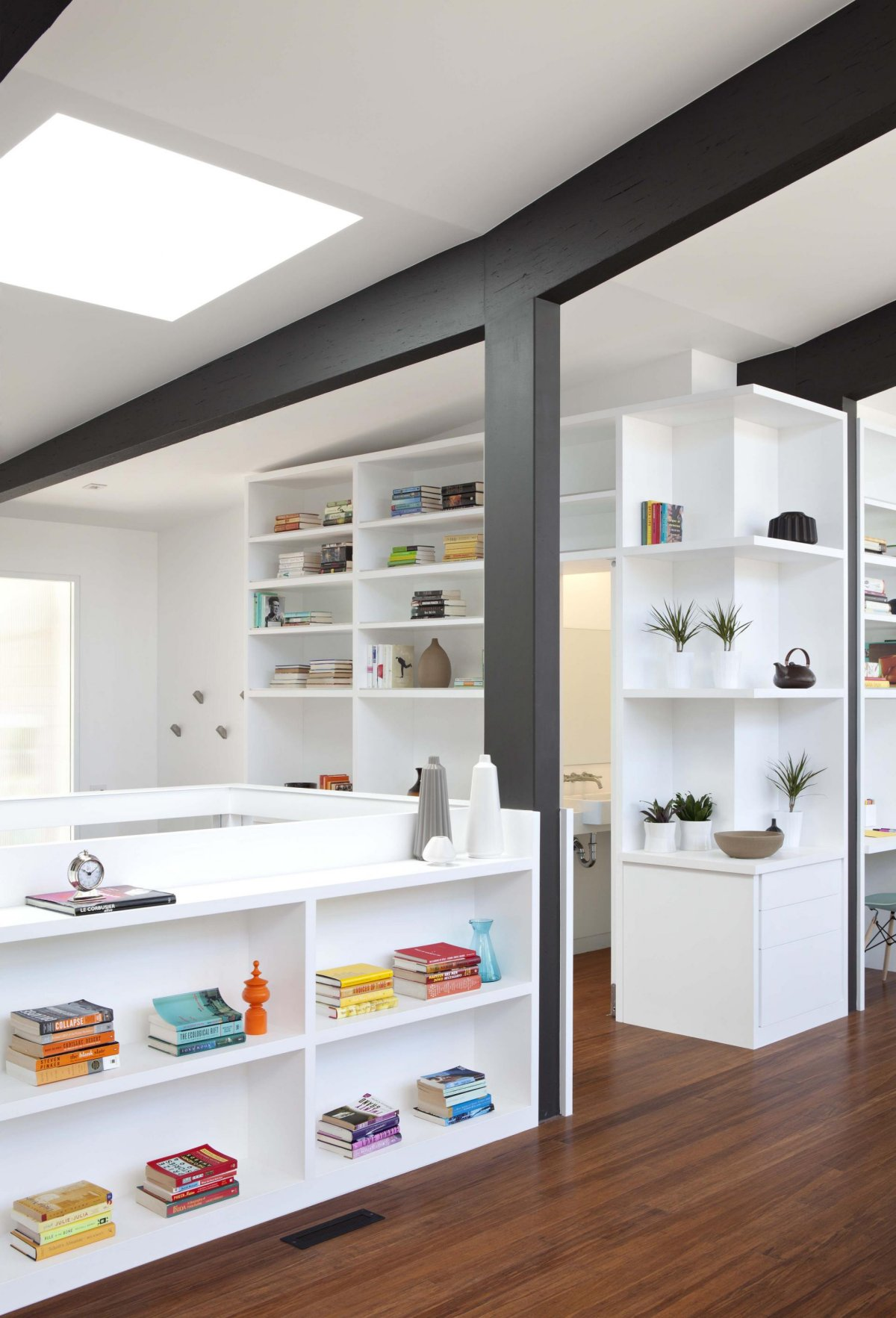 renovate modern contemporary house with white wood interior (11)