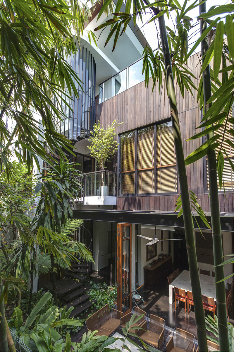 singapore townhome with natural (14)