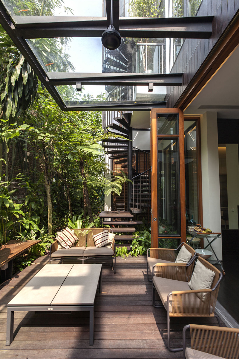 singapore townhome with natural (15)