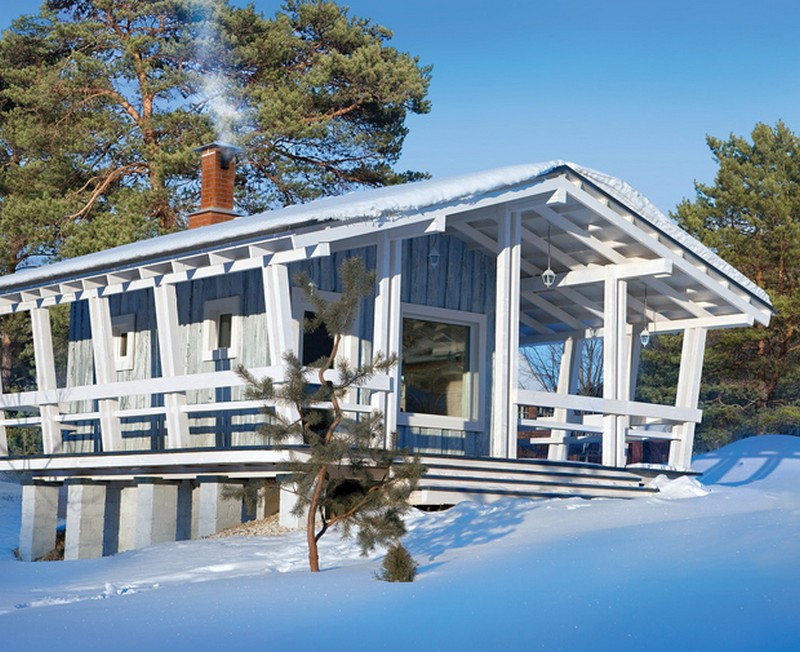 snowy cottage wood house from russia (1)
