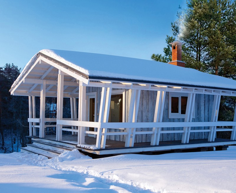 snowy cottage wood house from russia (2)