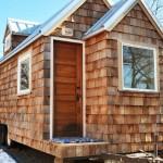 บ้านไม้หลังเล็กจิ๋ว ติดล้อไว้เดินทางท่องเที่ยว อีกหนึ่งรูปแบบชีวิตในฝันของหลายคน