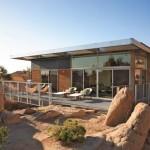 บ้านพักผ่อนตากอากาศ รูปทรงเป็นเอกลักษณ์ สร้างจากวัสดุรีไซเคิลและประหยัดพลังงาน