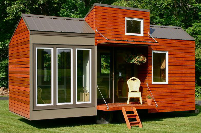 wooden tiny house with 2 bedrooms (1)