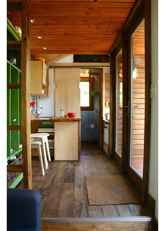 wooden tiny house with 2 bedrooms (3)