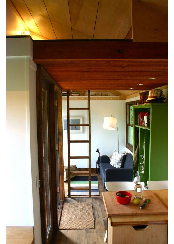 wooden tiny house with 2 bedrooms (4)
