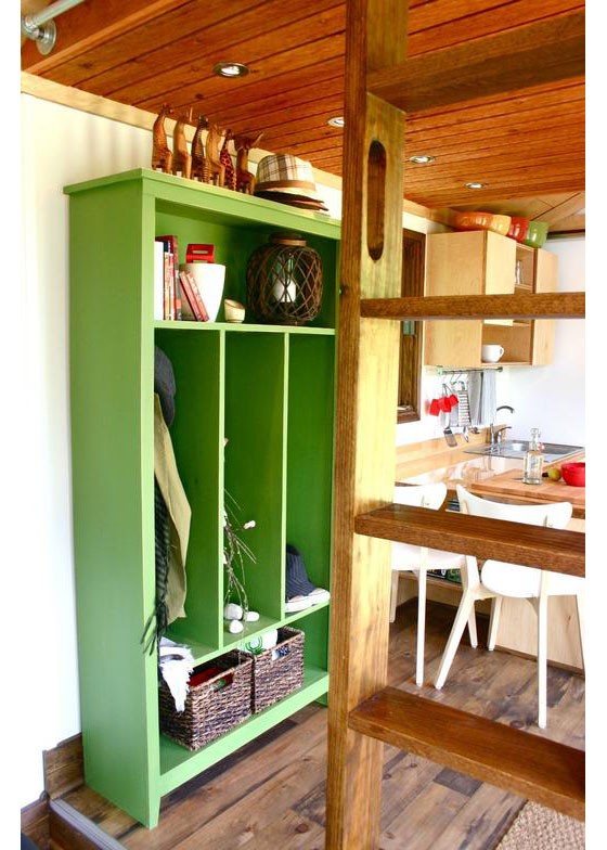 wooden tiny house with 2 bedrooms (5)