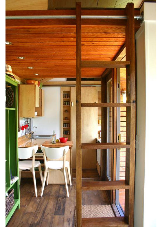 wooden tiny house with 2 bedrooms (6)