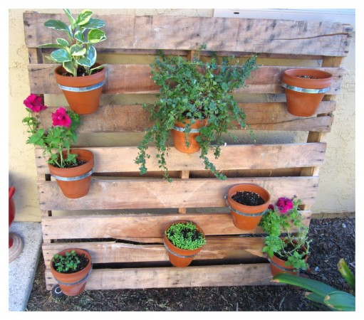 Flower-Pot-Pallet-Planter-511x450