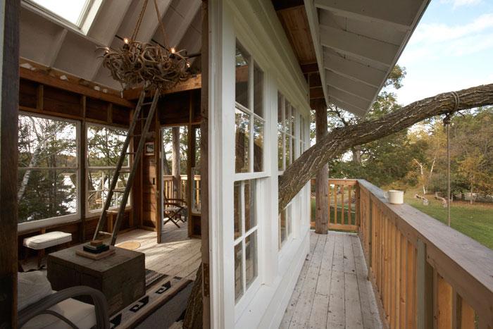 adult-treehouse-camp-wandawega-lake-resort-wisconsin-11