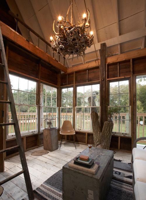 adult-treehouse-camp-wandawega-lake-resort-wisconsin-15