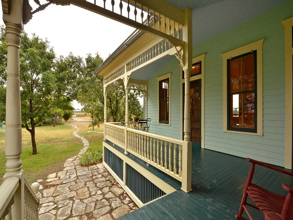 american country 2 bedrooms farm house in texas usa (3)