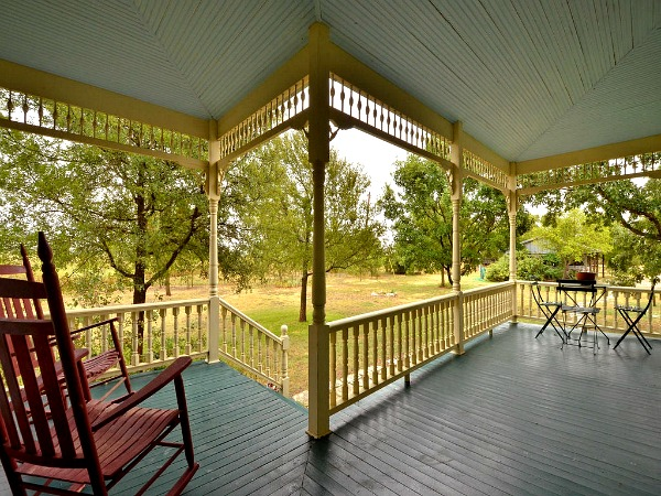 american country 2 bedrooms farm house in texas usa (4)