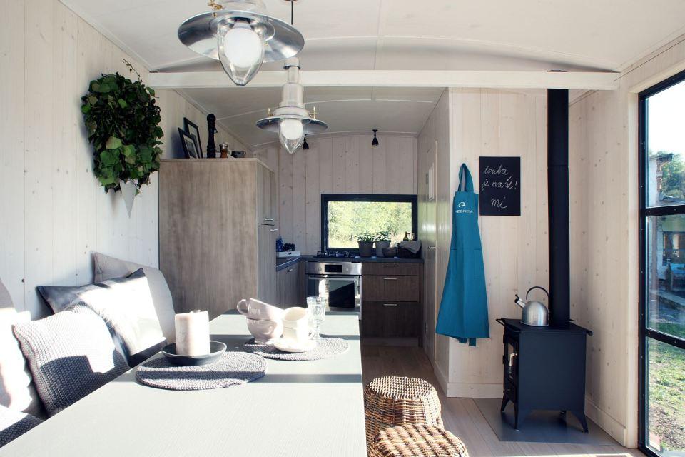 box house contemporary with compact interior design (17)