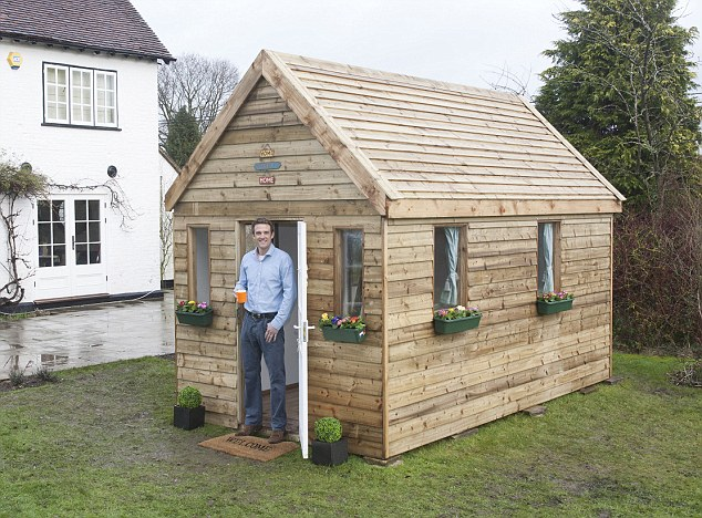 compact tiny house in uk (5)