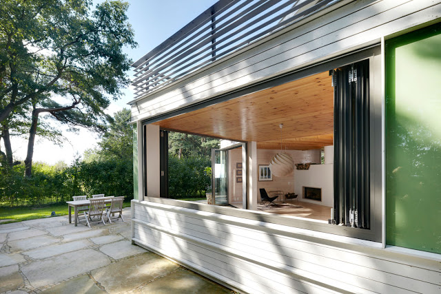 contemporary lake house two storey with modern interior (4)