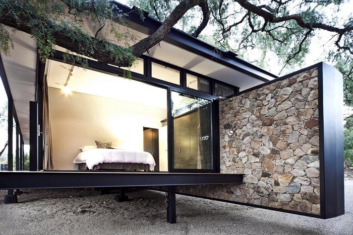contemporary modern house in peachful garden (3)
