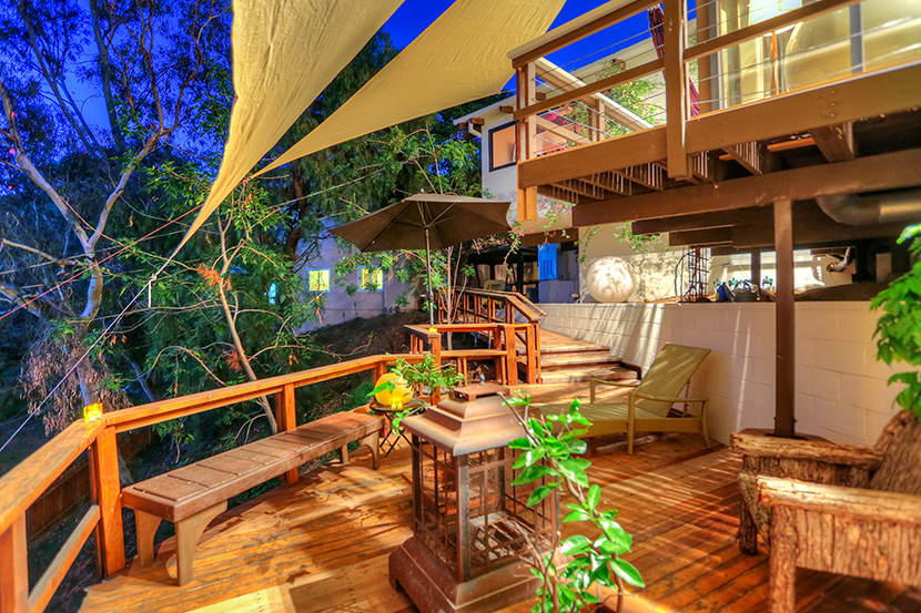 contemporary tropical mexican style house in usa city (19)
