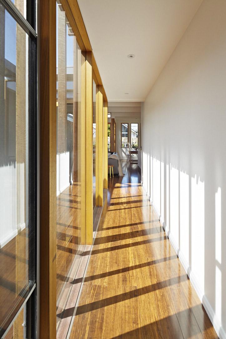 convertible-courtyards-house-christopher-megowan-design-1