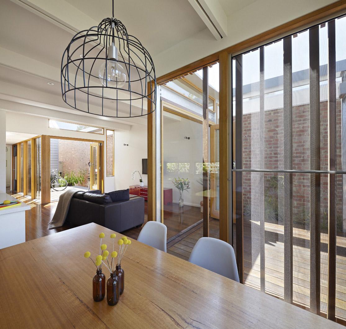 convertible-courtyards-house-christopher-megowan-design-11