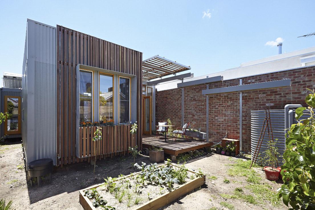 convertible-courtyards-house-christopher-megowan-design-3