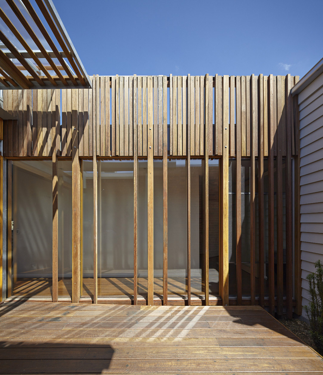 convertible-courtyards-house-christopher-megowan-design-5