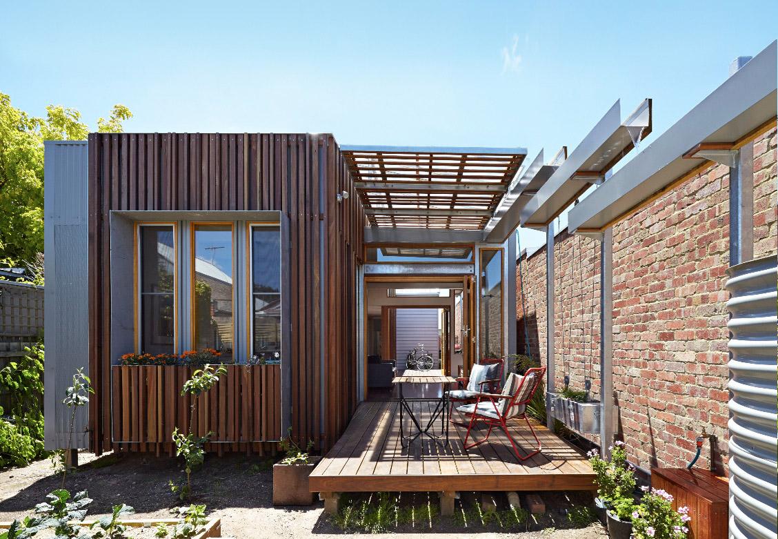 convertible-courtyards-house-christopher-megowan-design