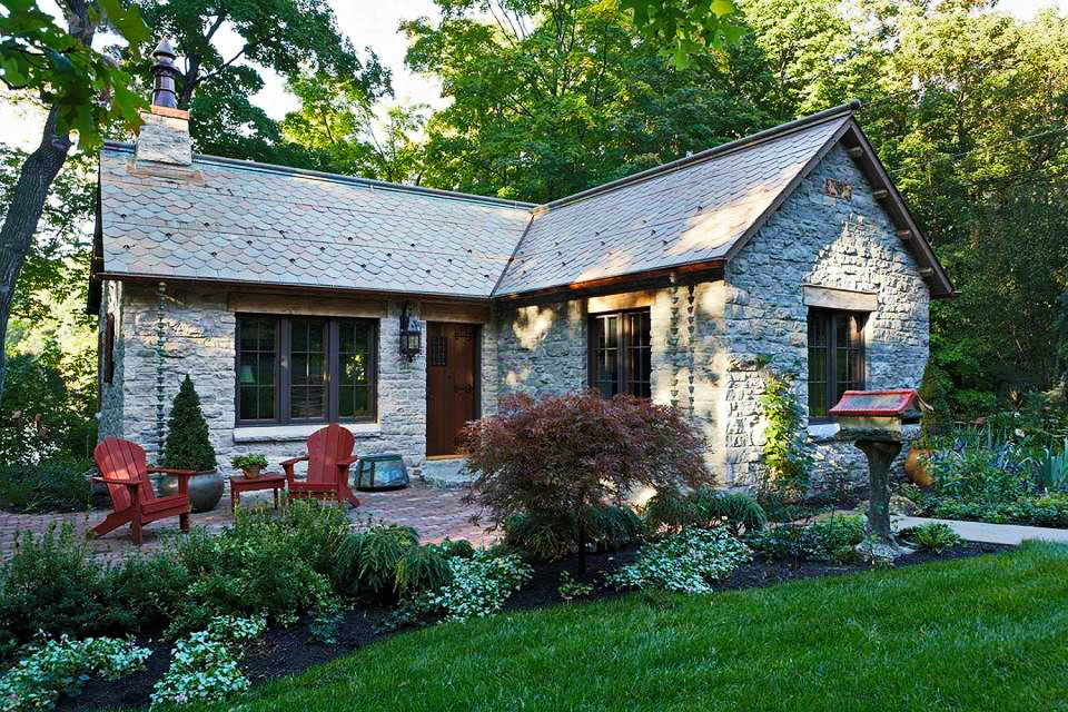 cottage-classic-house-renovated-to-contemporary-1