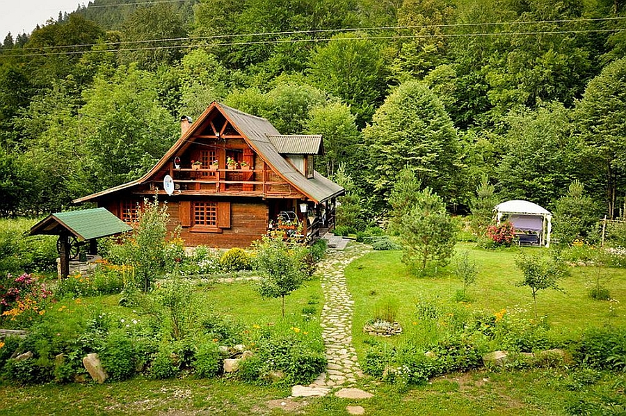 cottage classic wooden house in countryside romania (1)