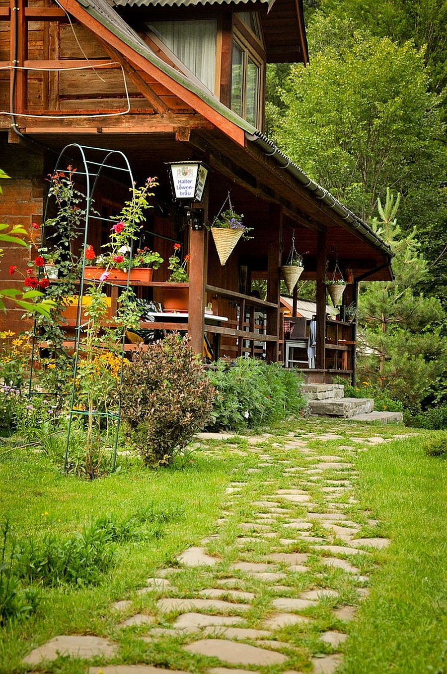 cottage classic wooden house in countryside romania (4)