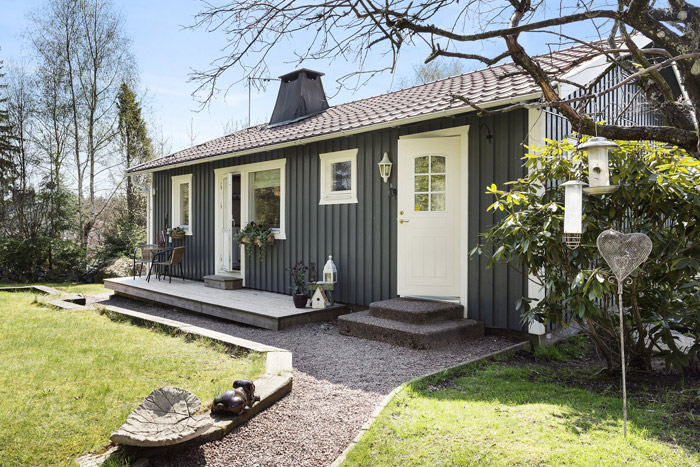 cottage country house swedish style  (1)