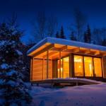 บ้านกระท่อมไม้หลังเล็ก ในราคาประหยัด แต่รองรับรูปแบบชีวิตได้อย่างครบครน