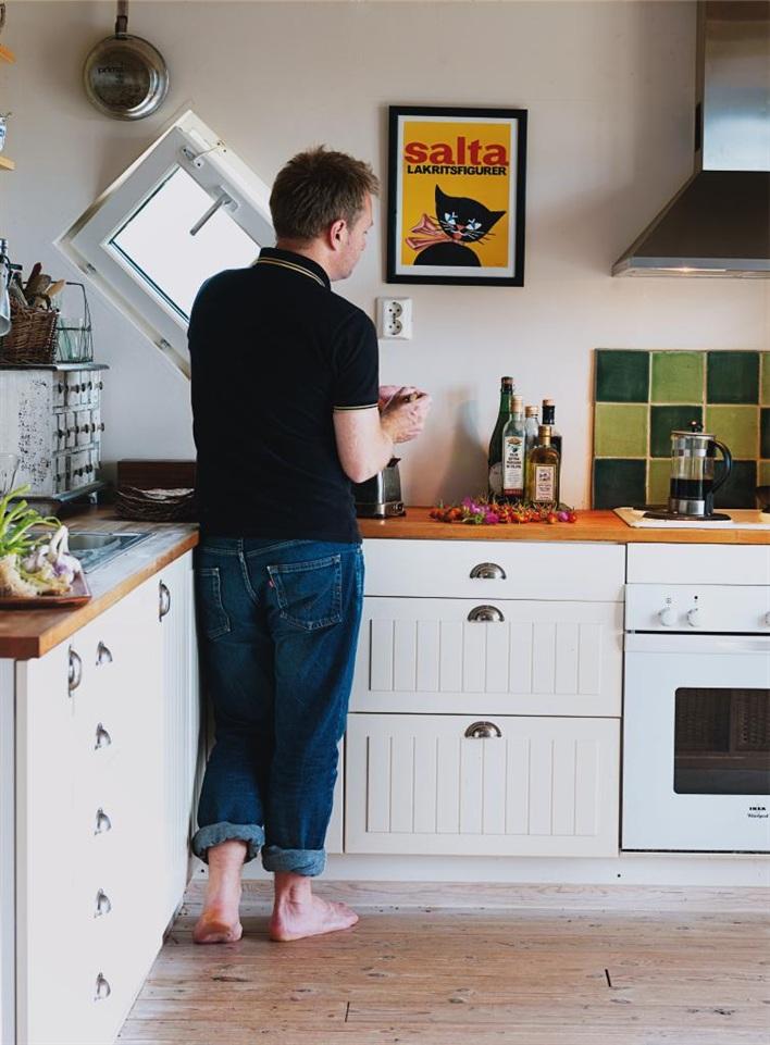cottage house in sweden design bright (3)