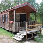 บ้านกระท่อมไม้หลังเล็ก ออกแบบประหยัดงบในพื้นที่จำกัด ให้อยู่อาศัยอย่างครบครัน