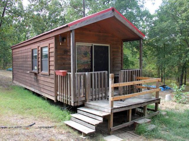 cottage house on wheel mini wooden idea (1)