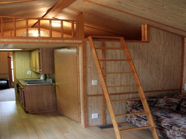 cottage house on wheel mini wooden idea (3)
