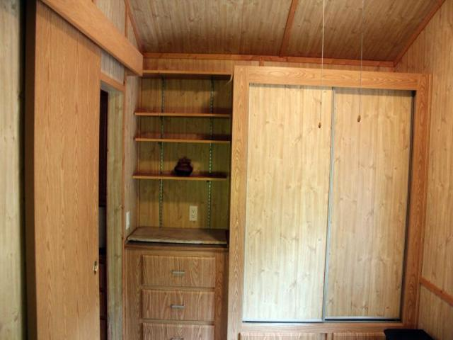 cottage house on wheel mini wooden idea (4)